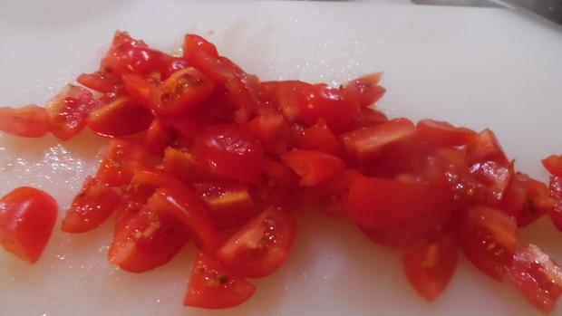 Cappellacci mit Ricotta-Parmesan-Füllung und Tomaten-Rahm-Soße - Rezept - Bild Nr. 4732