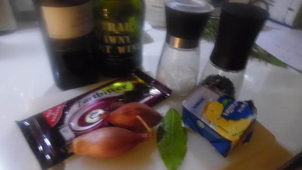Reh-Filet mit Portwein-Schokoladen-Soße - Rezept - Bild Nr. 4744