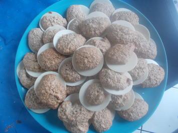 Rezept: Süßes - Marzipan-Nuss-Plätzchen