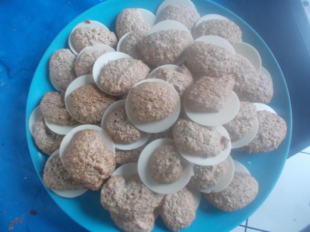 Süßes - Marzipan-Nuss-Plätzchen - Rezept - Bild Nr. 2
