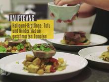 Gemüsebratling mit Halloumi, Koriander und Minze, dazu Pak Choi, Tofu, geschmorte Tomaten - Rezept - Bild Nr. 2