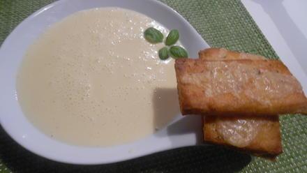 Knoblauchsuppe mit Parmesan-Crostini - Rezept - Bild Nr. 2