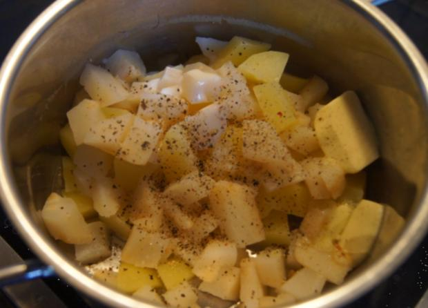 Kassler im Blätterteig mit Weißkraut böhmischer Art und Sellerie-Kartoffelstampf - Rezept - Bild Nr. 4818