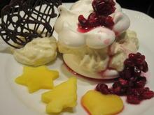 Dessert: Baiser mit Mangofüllung und allerlei Deko - Rezept - Bild Nr. 4829