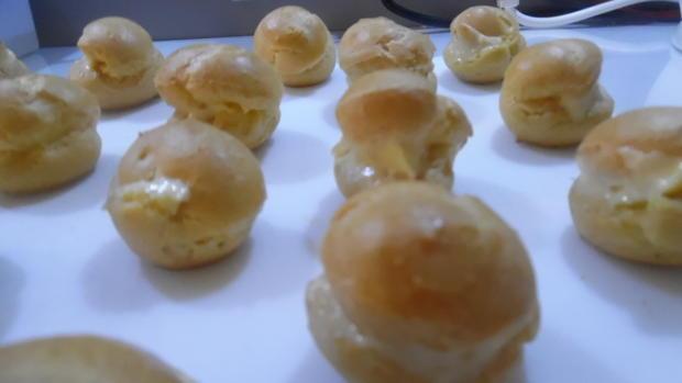 Profiteroles mit Crème patissière - Rezept - Bild Nr. 4934