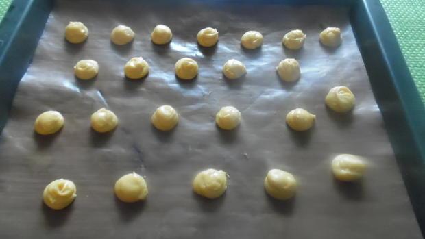Profiteroles mit Crème patissière - Rezept - Bild Nr. 4945