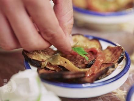 Marinierte Rinderleber mit gebratenenen Auberginen, gegrillten Paprika und Karottensalat - Rezept - Bild Nr. 4931