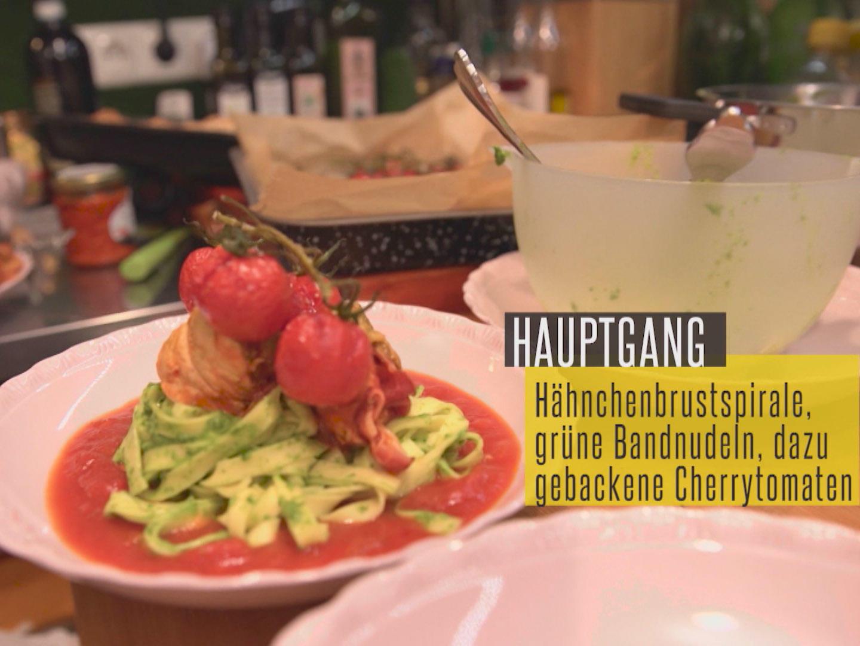 Bilder für Hähnchenbrustspirale mit Rucolapesto in Tomaten - Honig - Chili - Soße - Rezept
