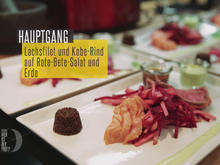 Geflämmtes Kobe- und Lachsfilet auf Rote Beete-Apfel-Salat - Rezept - Bild Nr. 2