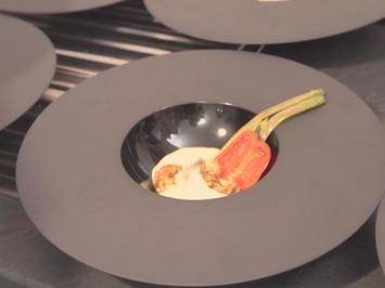 Hasenthaler Waller mit Kartoffelspuma und Krustentierbisque - Rezept - Bild Nr. 2