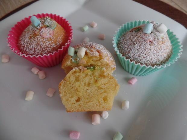 Mandel-Muffins mit Mini-Marshmallows obendrauf - Rezept - Bild Nr. 4953