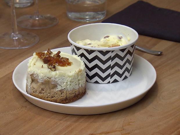 New-York-Chai-Cheesecake mit Pekannuss-Karamell-Eis und Apfelsoße - Rezept - Bild Nr. 2