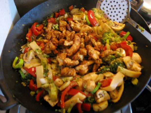 Mittagessen aus dem Wok - Rezept - Bild Nr. 5010