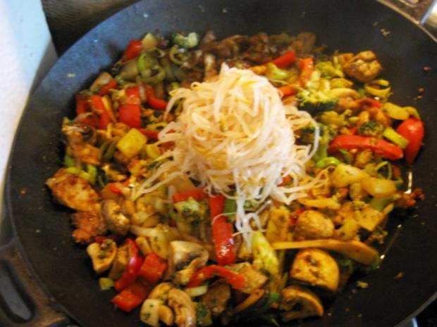 Mittagessen aus dem Wok - Rezept - Bild Nr. 5011