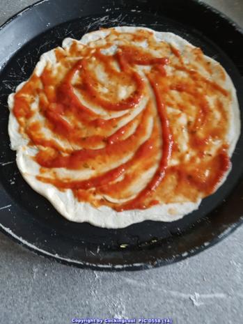 Pizza Studiooso (Pizza backen nach/mit Bilderrezept) - Rezept - Bild Nr. 5106