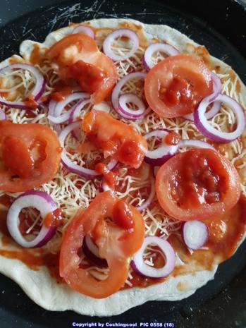 Pizza Studiooso (Pizza backen nach/mit Bilderrezept) - Rezept - Bild Nr. 5110