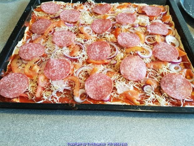 Pizza Studiooso (Pizza backen nach/mit Bilderrezept) - Rezept - Bild Nr. 5134