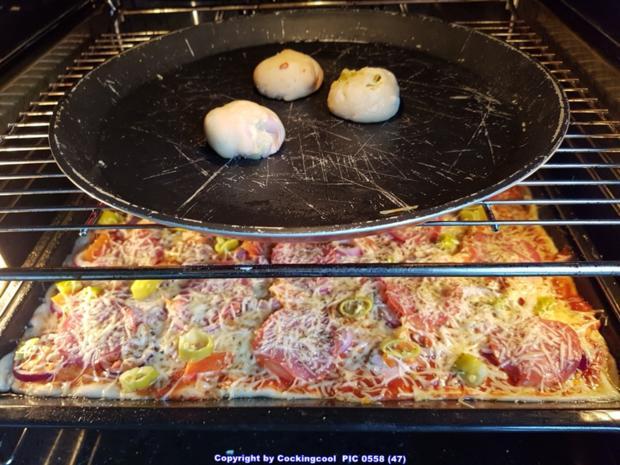 Pizza Studiooso (Pizza backen nach/mit Bilderrezept) - Rezept - Bild Nr. 5137