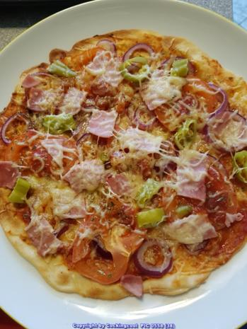 Pizza Studiooso (Pizza backen nach/mit Bilderrezept) - Rezept - Bild Nr. 5142