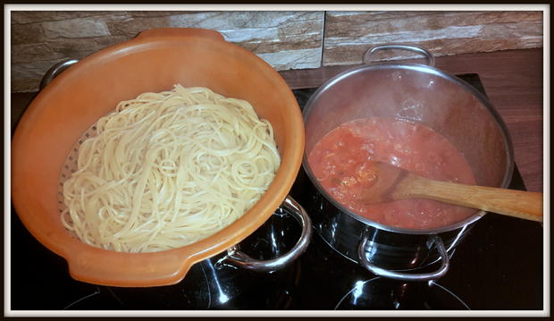 Spaghetti mit Wurst-Speck-Tomatenpaprika Soße - Rezept - Bild Nr. 5156