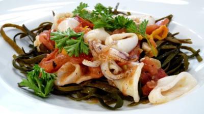 Meeresspaghetti mit Tintenfisch-Ragout - Rezept - Bild Nr. 5156