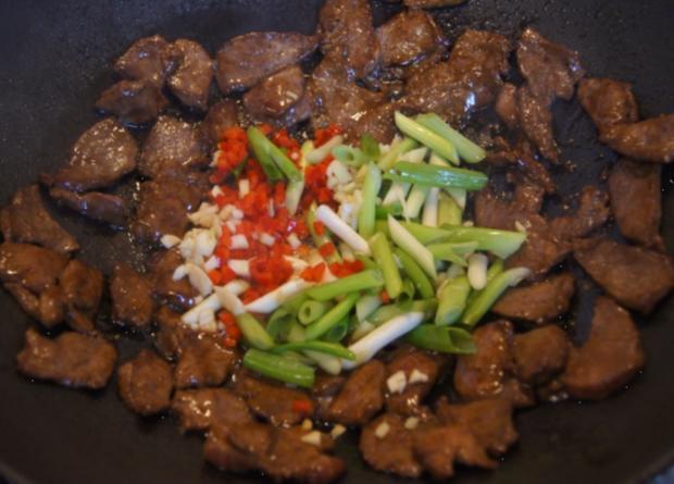 Rindfleisch mit Paprikamix und Mie-Nudeln - Rezept - Bild Nr. 5204
