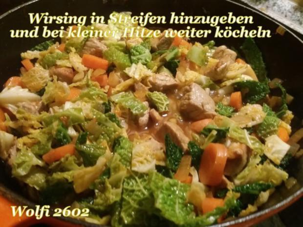 > Schwein < Gulasch im Eisentopf geschmort - Rezept - Bild Nr. 5217