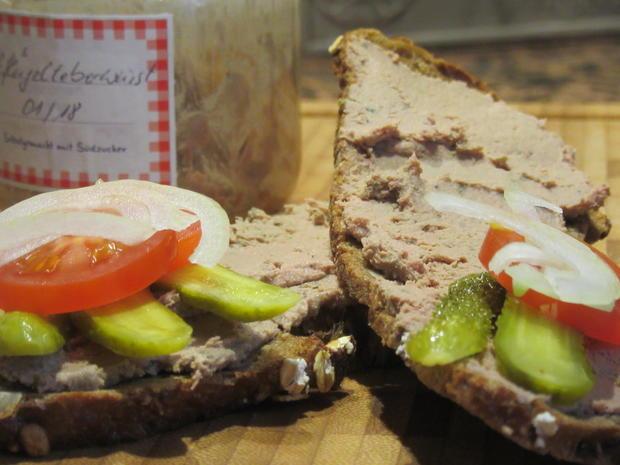 Wurst: Geflügelleberwurst mit Walnüssen - Rezept - Bild Nr. 5214