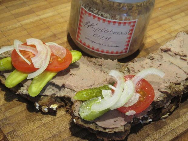 Wurst: Geflügelleberwurst mit Walnüssen - Rezept - Bild Nr. 5225