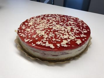 White Choc Strawberry Cake - Rezept - Bild Nr. 2