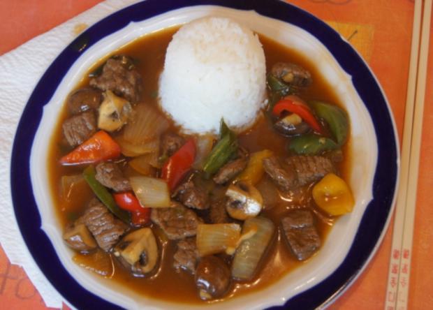 Gebratenes Rindfleisch mit Gemüse, Austernsauce und Jasmin-Reis - Rezept - Bild Nr. 5265