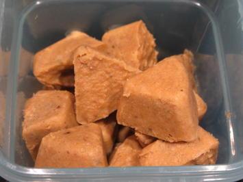 Vorrat: Geflügelbrühe, Brühwürfel und Geflügelfett - Rezept - Bild Nr. 5352