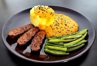 KaPü mit feuriger Gemüsesauce, Fisolen und gebratenem Chili-Tempeh - Rezept - Bild Nr. 5352