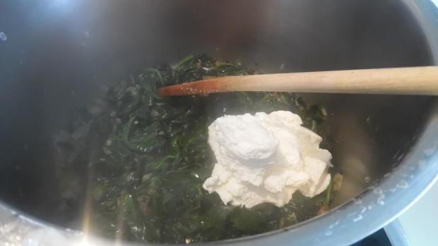 Kartoffel-Hackfleisch-Rolle mit Gurkensalat - Rezept - Bild Nr. 5434