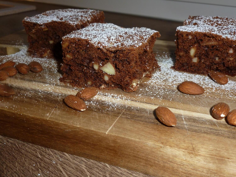 schoko mandel brownies rezept mit bild. Black Bedroom Furniture Sets. Home Design Ideas