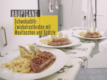 """""""Schwabenteller"""": Zwiebelrostbraten an Maultaschen und Möhren - Rezept - Bild Nr. 2"""