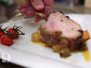 Karree vom Ibérico-Schwein auf Kartoffelgemüse mit Ei-Soße und Antipasti-Möhren - Rezept - Bild Nr. 3