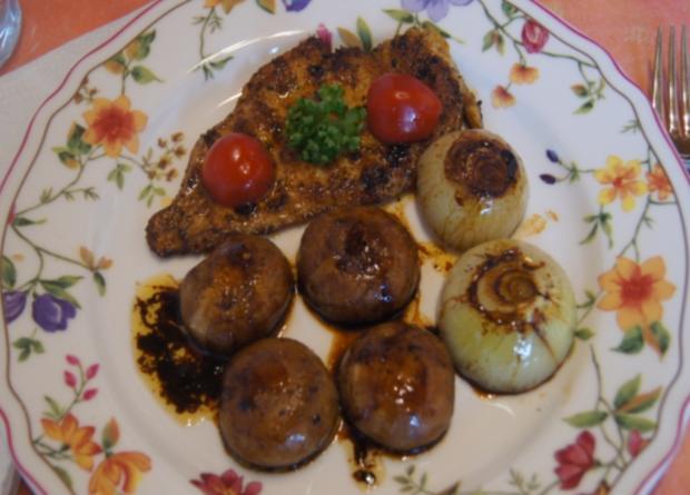 Hähnchen-Minutensteak mit Zwiebeln und Champignons - Rezept - Bild Nr. 5521