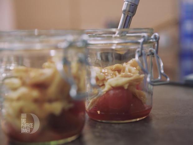 Waffelbruch und Whiskeykaramell an Vanilleespuma - Rezept - Bild Nr. 2