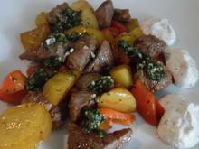 Lamm-Kartoffel-Pfanne mit Salsa und Joghurt-Minz-Dip - Rezept - Bild Nr. 5585