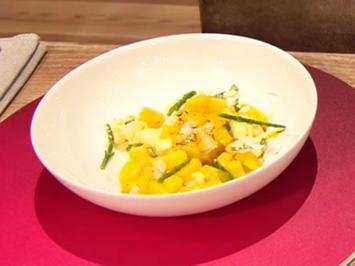 Rezept: Mozzarella-Mango-Salat mit Jakobsmuschel (Ella Endlich)