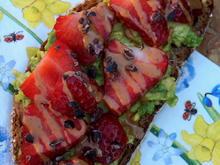 Frühstück: Avocado-Erdbeer-Brot - Rezept - Bild Nr. 2
