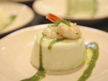 Panna Cotta von weißem und grünem Spargel mit gebratenen Garnelen - Rezept - Bild Nr. 5636