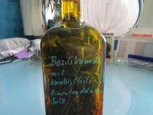 Basilikumöl mit Chili, Knobi, Pimenton de la vera, Salz - Rezept - Bild Nr. 2