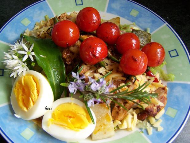 Illustrer Salat mit warmer Tomate - Rezept - Bild Nr. 5655