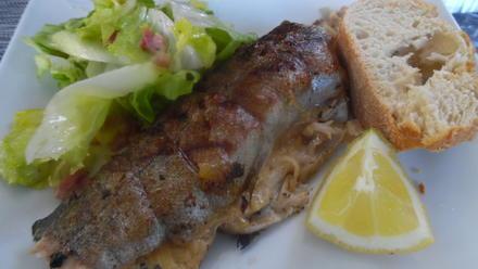 Gefüllte Forelle vom Grill mit Endivien-Salat - Rezept - Bild Nr. 5715