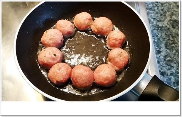 Party- Bällchen aus dem Ofen und BBQ Sauce dazu - Rezept - Bild Nr. 5701
