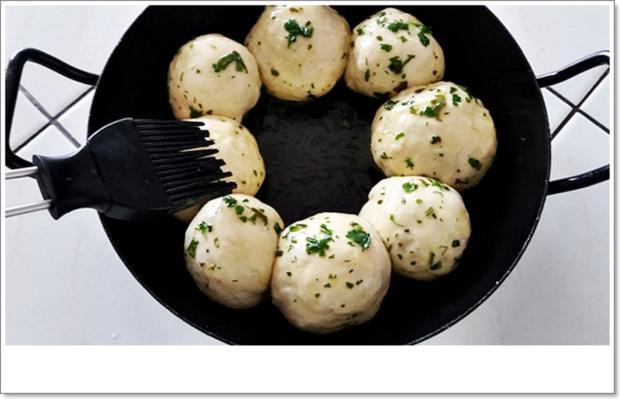 Party- Bällchen aus dem Ofen und BBQ Sauce dazu - Rezept - Bild Nr. 5706