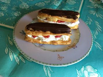 Rezept: Eclairs gefüllt mit Vanillesahne und Erdbeeren