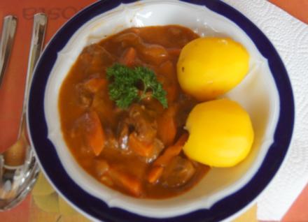 Tafelspitz Gulasch mit Kartoffeln und Nudeln - Rezept - Bild Nr. 5731